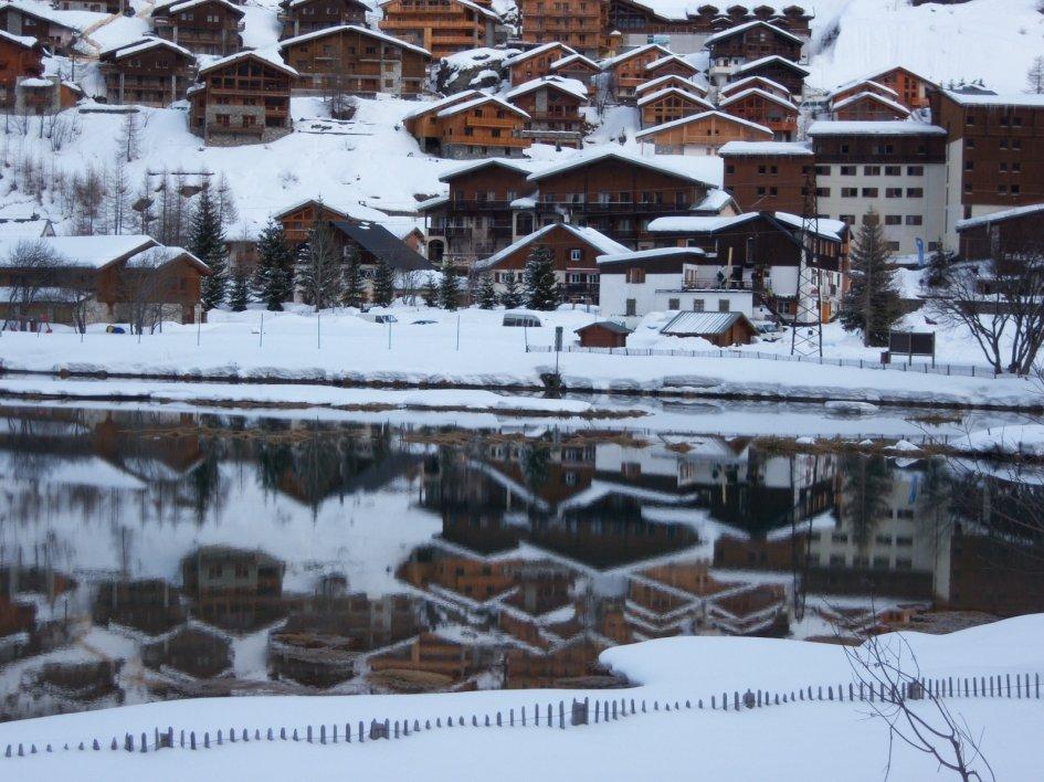 luxury ski chalets in tignes. Black Bedroom Furniture Sets. Home Design Ideas