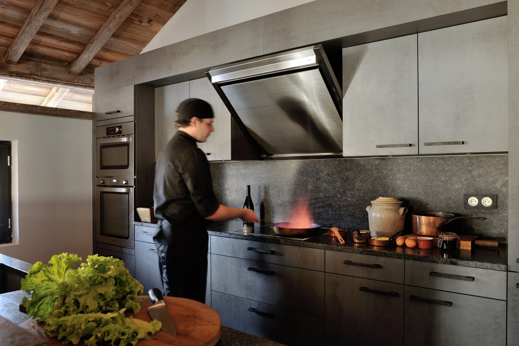 5.Professional fine dining chefs in the open plan kitchen