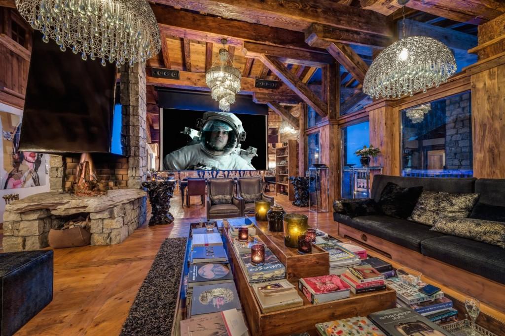 Marco Polo Lounge screen