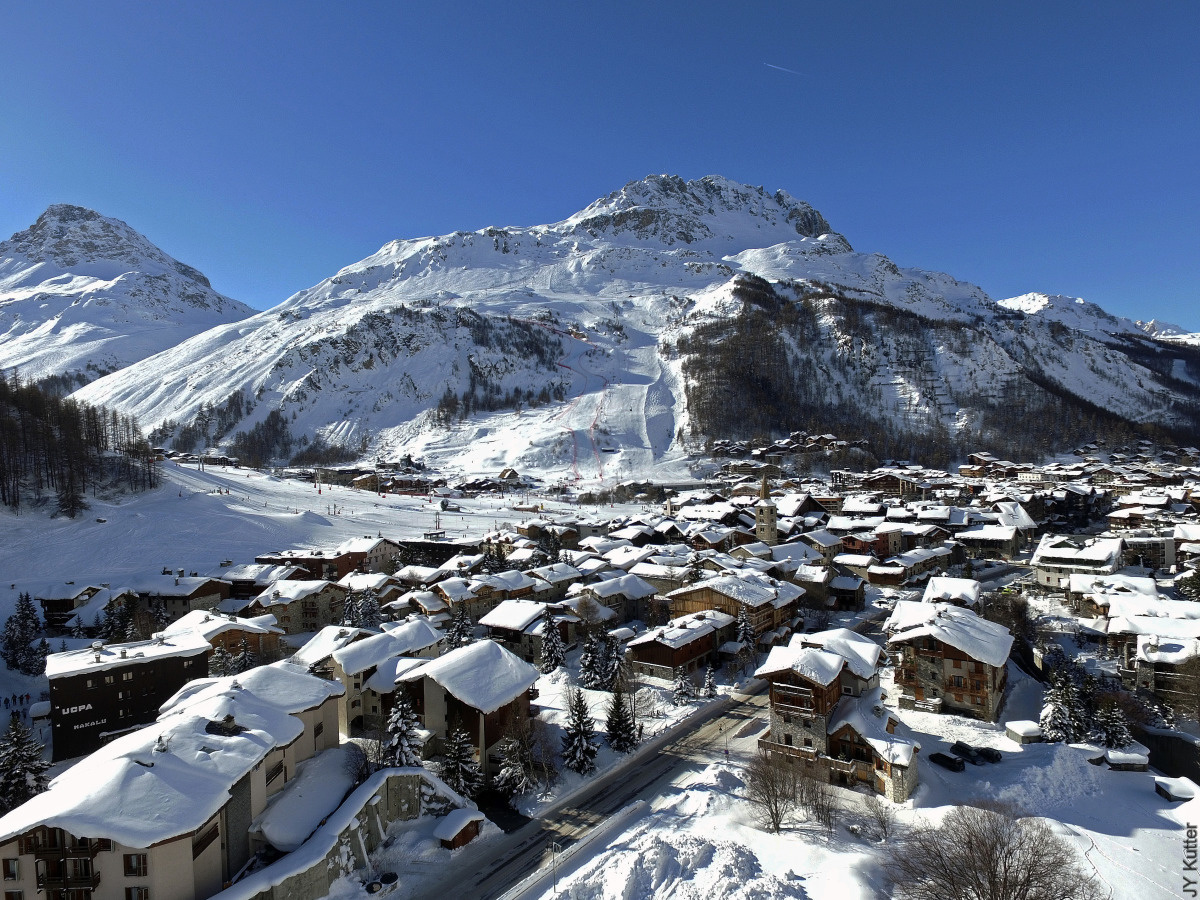 Luxury last minute ski deals in val d 39 isere - Office du tourisme val d isere telephone ...