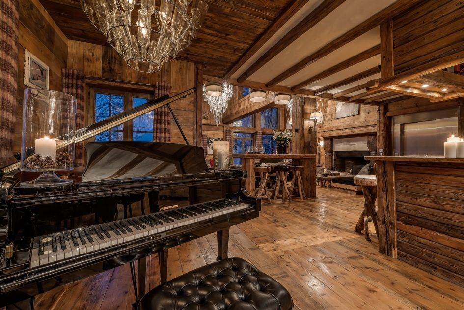 top 5 luxury ski chalets with a piano in the alps. Black Bedroom Furniture Sets. Home Design Ideas