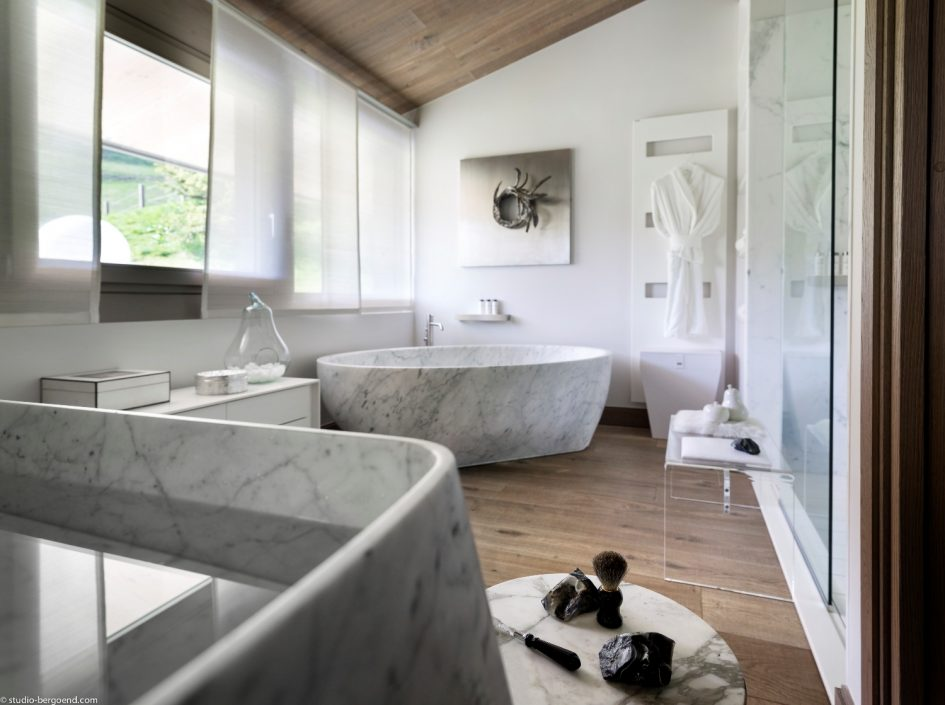 Luxury Chalet Bathrooms The Most Beautiful Bathrooms In The Alps - Beautiful-bathrooms-2