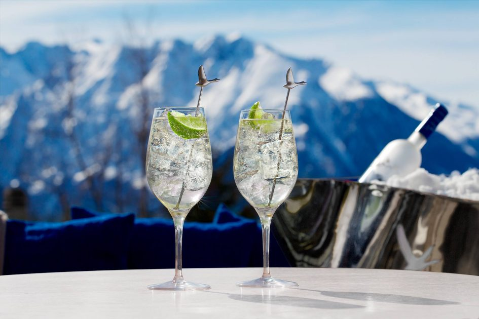 Ski chalet with a bar & view