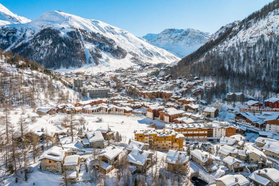 luxury ski holidays Val d'Isere, Val d'Isere luxury ski chalets, best luxury ski chalets Val d'Isere, Val d'Isere ski holidays, ski vacation Val d'Isere