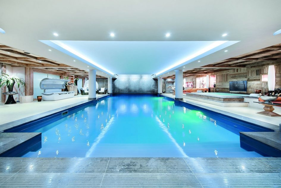 best luxury chalets with a swimming pool, Courchevel chalet with a swimming pool, luxury chalet in Courchevel with a pool