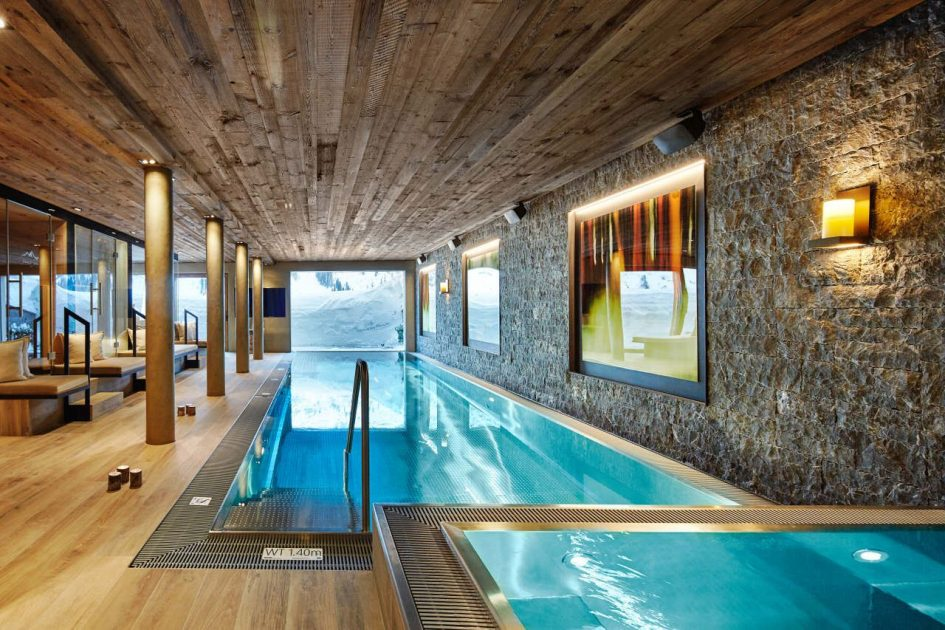 lech luxury chalet with a swimming pool, luxury chalet with a pool in Lech