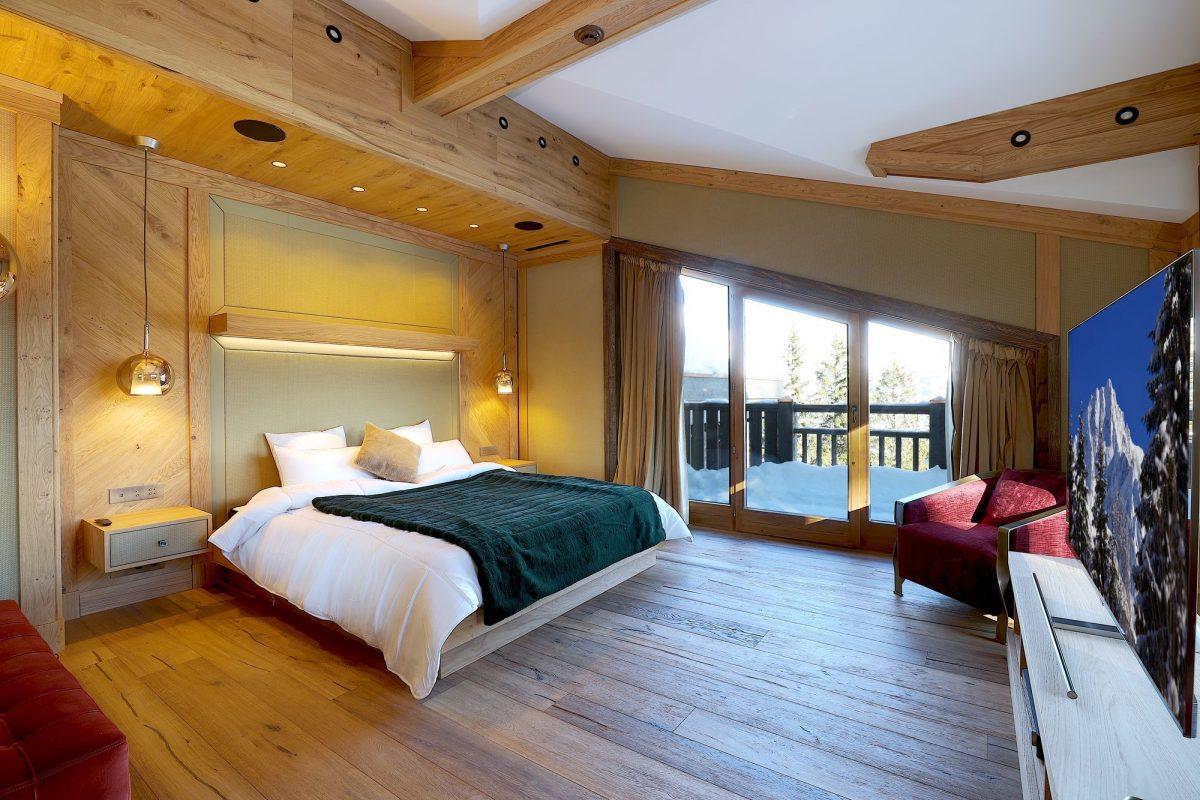 luxury bedroom, chalet bedroom, Chalet Aurore, Courchevel 1850