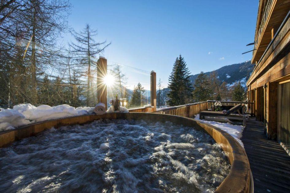catered ski chalets in switzerland, luxury ski chalets in verbier, verbier chalets with a hot tub