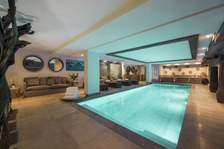 best swimming pools in Verbier, chalet with a pool in Verbier, luxury Verbier ski chalet with a pool